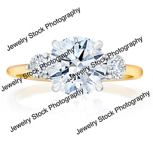 3 Stone Round Diamond Ring Front