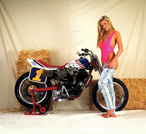 1991 Fast Dates Racebike PinUp Calendar
