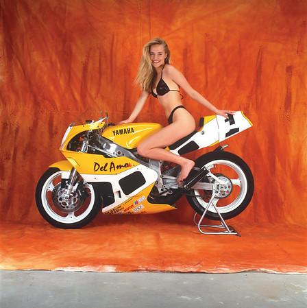 FD92.08 Yamaha TZ250B with Josie Bissett