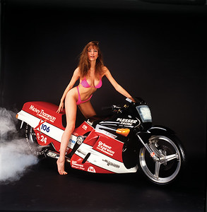 FD92.01 Kawasaki Drag Bike with Kari Whitman