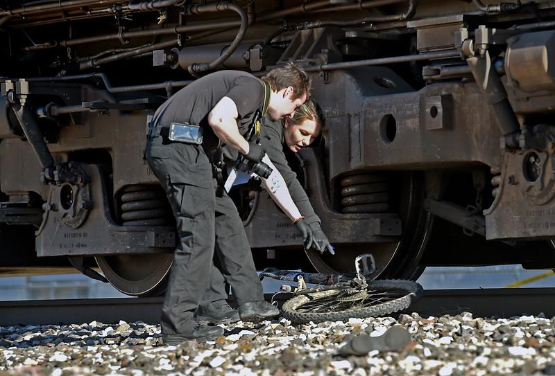 TrainVsBike_JP16667