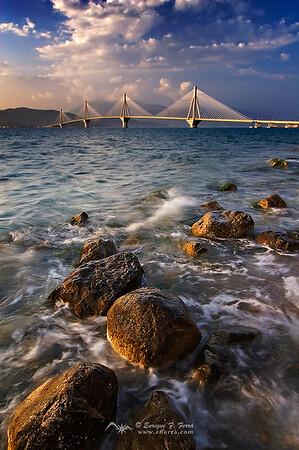 Puente Rio-Antirio sobre el Golfo de Corintio