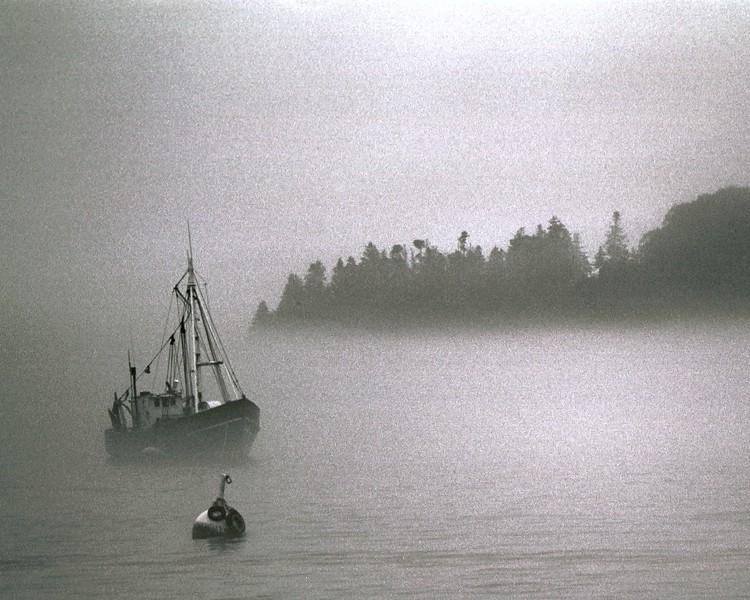 Fishingboat-fog