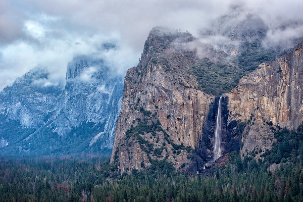 Bridal Veil Fals, from Tunnel View, Yosemite NP