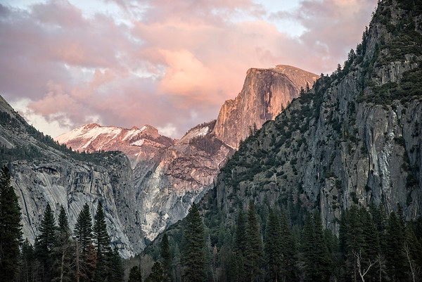Half Dome seconds before the Sunset, when things quickly turn colorless