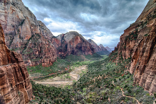Zion Canyon, from the path up to Angles Landing