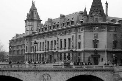 Bridge and Building in Paris