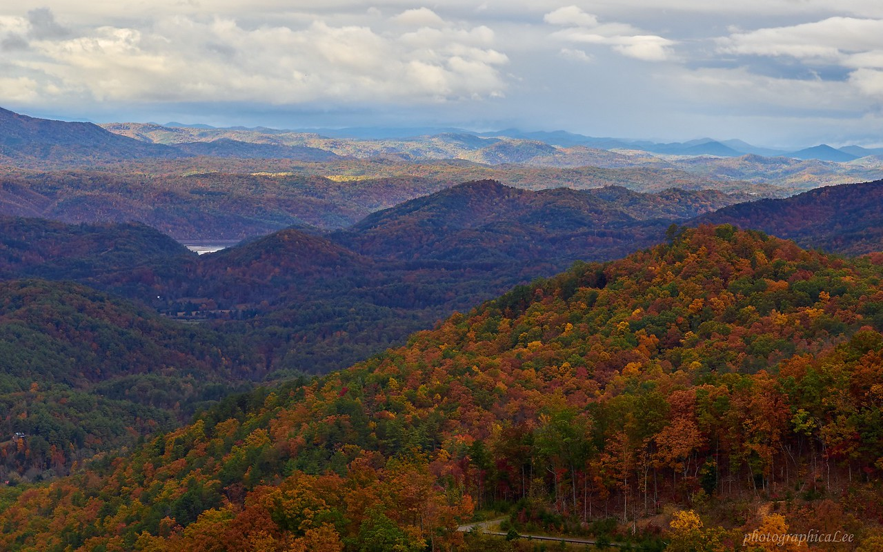 Smoky Mountain fall color from Foothills Parkway