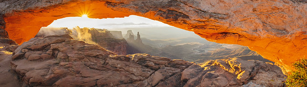 Mesa Arch and Washer Woman Tower, Canyonlands National Park, UT.