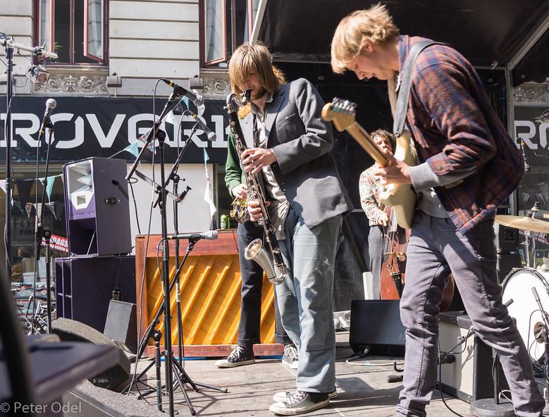 Ud på Nørrebro - fest i Blågårdsgade