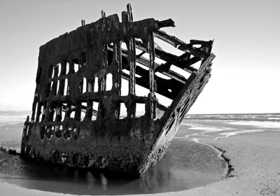 Shipwreck of the Peter Iredale at Ft. Stevens State Park, Oregon, near Warrenton and Astoria. July 23, 2005