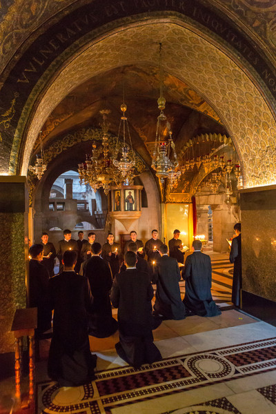 Chanting - Church of the Holy Sepulchre