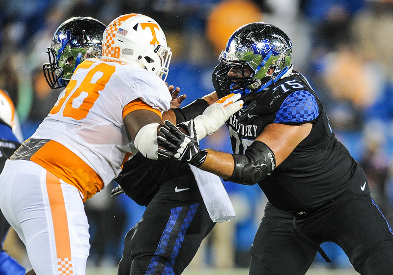 NCAA FOOTBALL: OCT 31 Tennessee at Kentucky