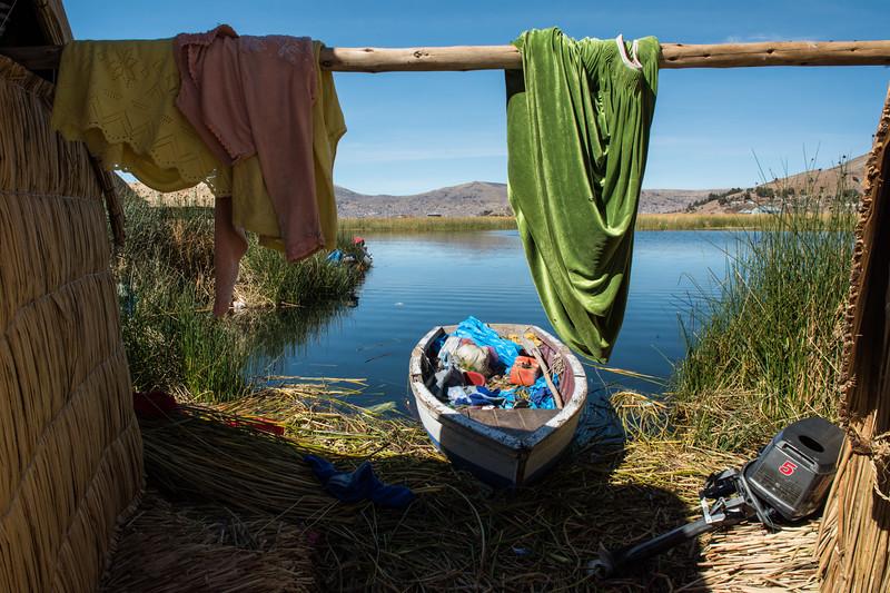 """Backyard"" life on Los Uros."