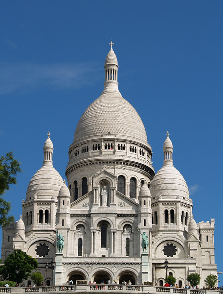 Basilique du Sacre Coeur/Basilica of the Sacred Heart in Montmartre, the highest point in the city.