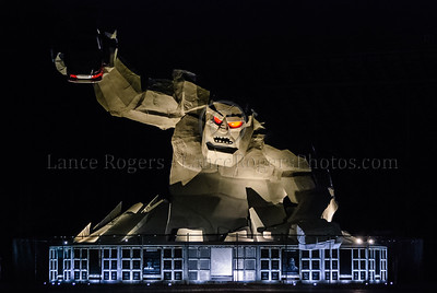 The Monster at Night - Monster Mile Dover, Delaware ©2008 Lance Rogers, all rights reserved