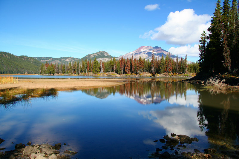 Sparks Lake, Oregon, in front of the South Sister