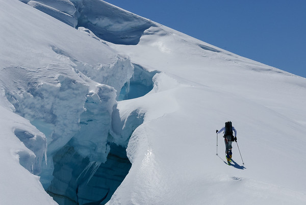 Staying away from the edge on a one day circumnavigation of Mt Baker, North Cascades, Washington