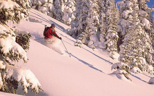 A bluebird day in the Crystal Mountain backcountry, Washington