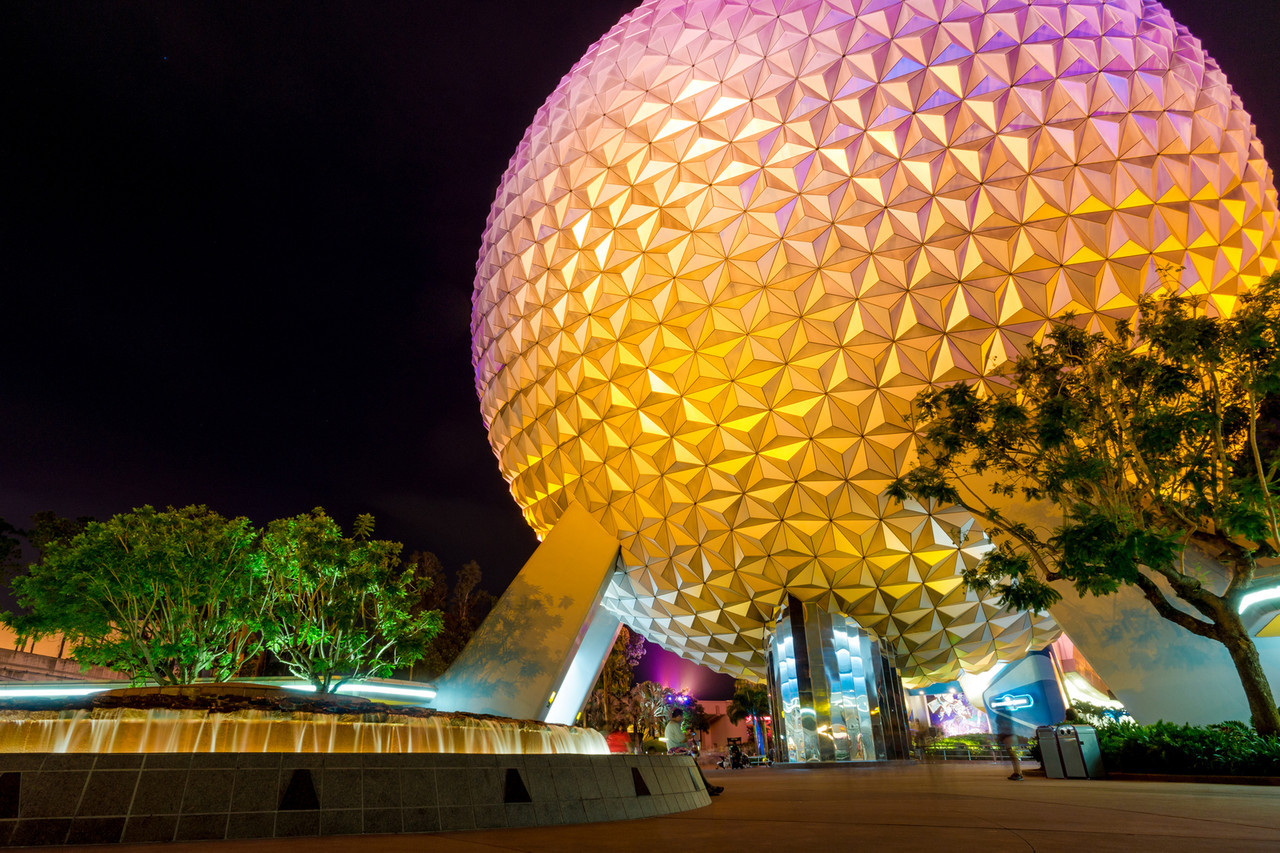 Spaceship Earth is so photogenic at night, it's hard to come away with a bad shot.