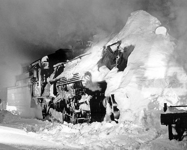 Minus 20 in Chama. 487 had been on the point of a flanger train over Cumbres.  December 18, 1961.