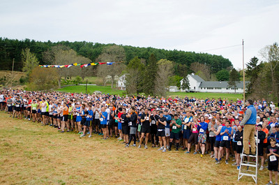 Runners line up for start of 2012 Loop. Photo by Rob Cummings.