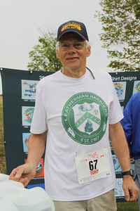 Tony sporting the Leatherman Harriers club shirt in 2012 before the Loop.