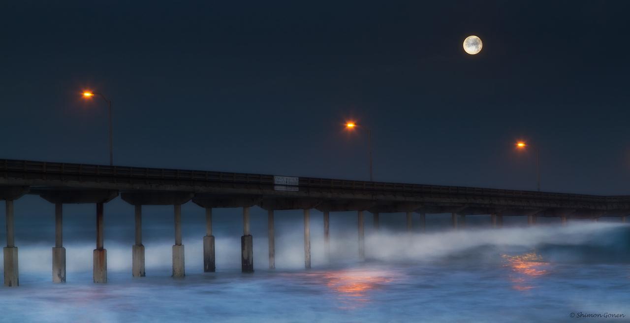 Moon set at Ocean Beach