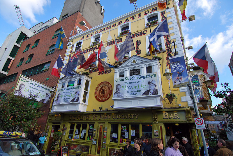 What a colorful place to grab a pint and some lunch.