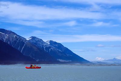 Big valley, small raft. Alsek River, Yukon/Alaska