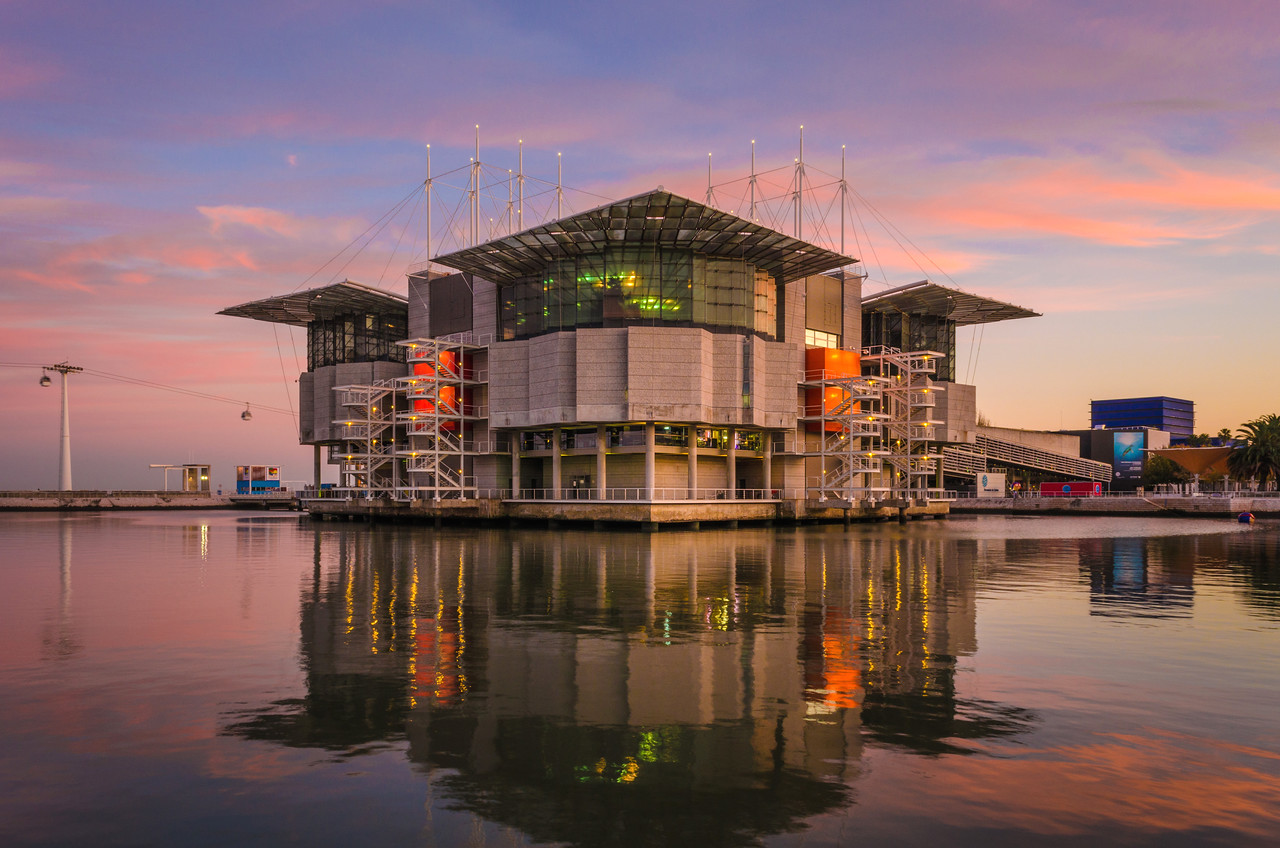Lisbon Oceanarium Reflection Photography at Sunset Messagez com