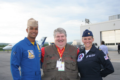 Here I am with the Flight Surgeons for both the Blue Angels and the Thunderbirds. Now guess which one I would prefer to give me an exam.....