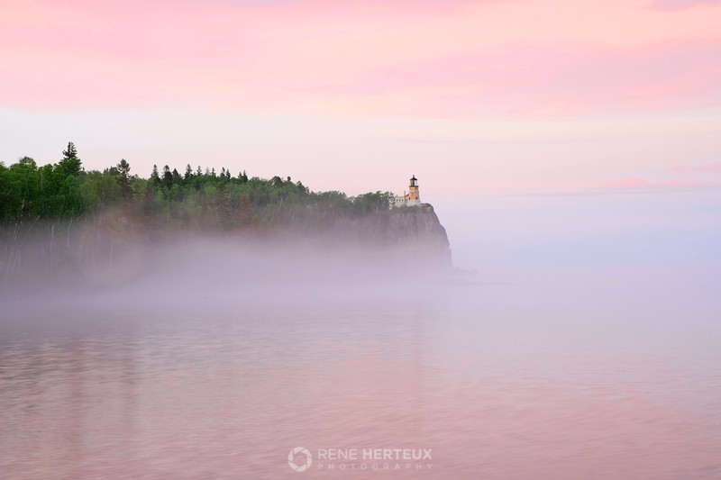 Split Rock Lighthouse sunset fog