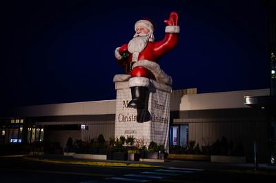 """Big Santa"" - Garden State Plaza - Paramus"