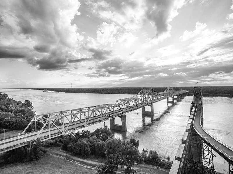 River Bridge Cargo (BW)