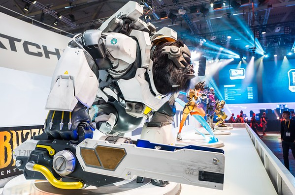 Overwatch characters at Gamescom 2017