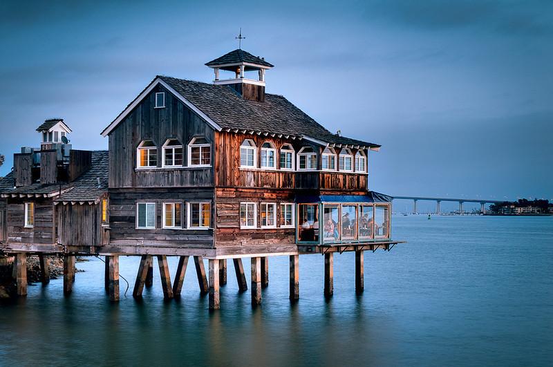 Pier Cafe