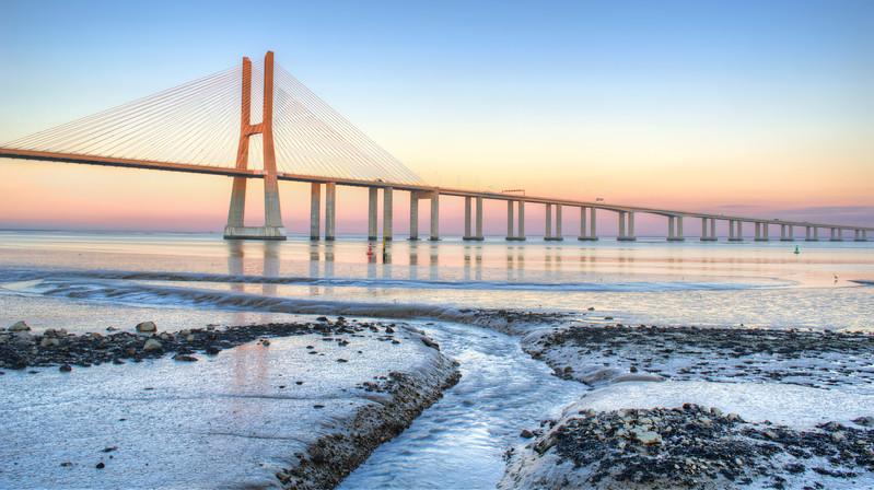 Vasco da Gama Bridge  Flow