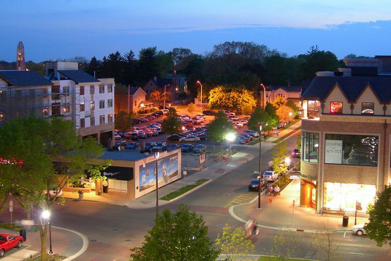 The newer northwest section of downtown Naperville.  Photo-nerds note: The coloring of this pic is un-enhanced (by me, anyway)--this is Nikon's in-camera chip that has a penchant, like Sony's, for over-doing certain colors.