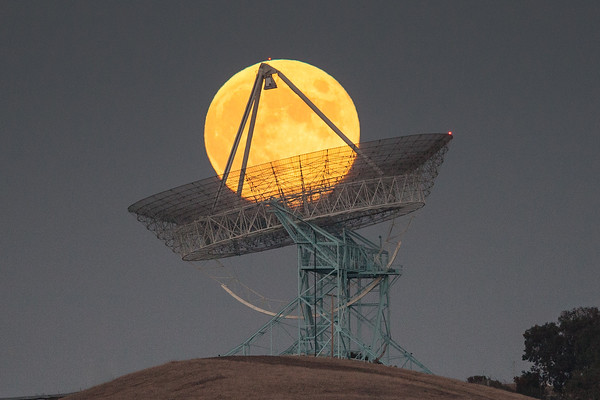 Stanford Dish Full Moon