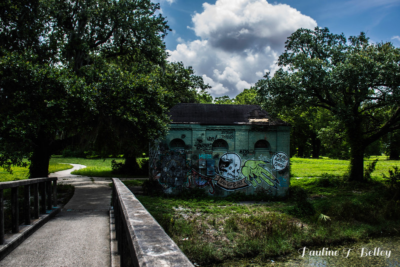 Graffiti Bridge Building