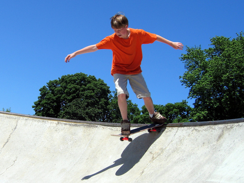 Alex dropping in at the skatepark on Lake Shore Drive & 35th.