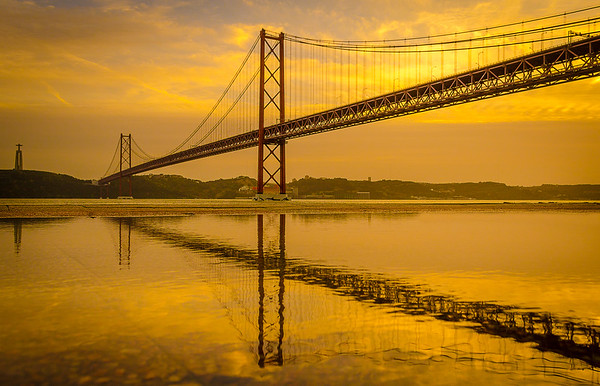 Golden Bridge Reflection Photography By Messagez com