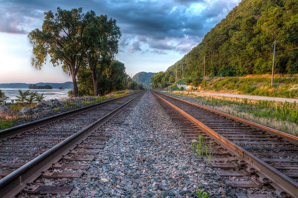 Train through Lynxville