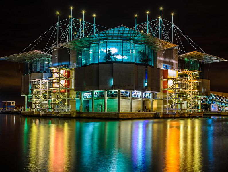 Original Lisbon Oceanarium Night Reflection Photography By Messagez com
