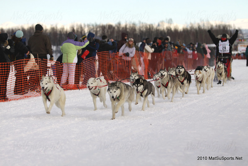 Karen Ramstead and dogs leave Willow bound for Nome in Iditarod 2010.