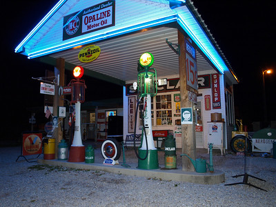 Sinclair gas station owned by Gary Turner on Old 66
