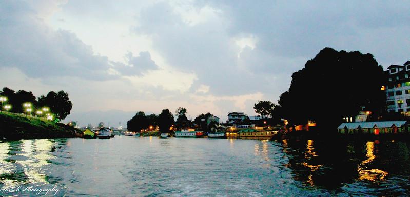 Boat Ride on River Jhelum