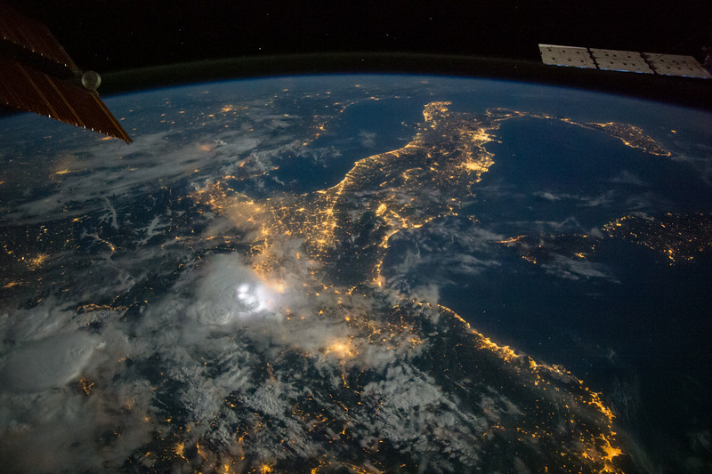 iss040e090670
