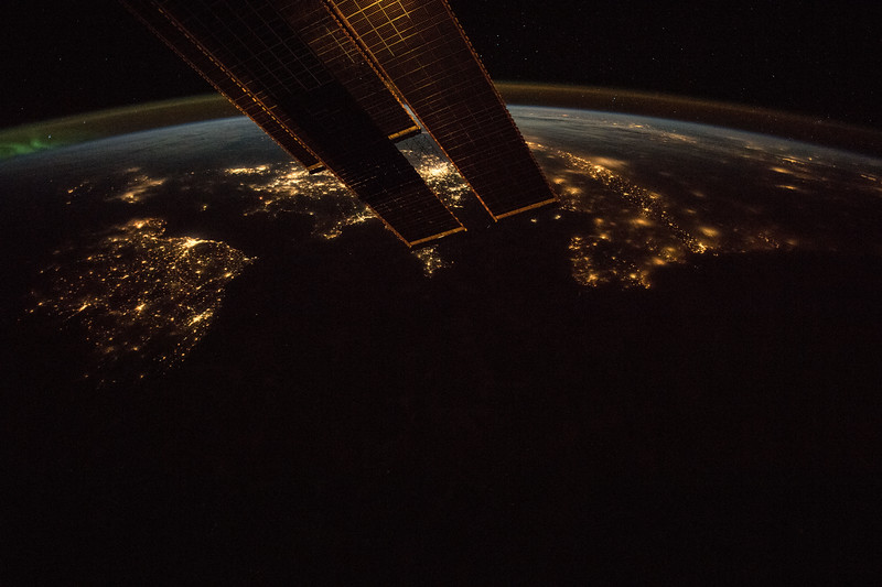 Ireland (left), England (with London between ISS panels)